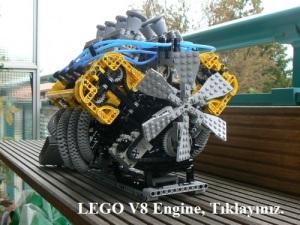 _LEGO_V8_Engine_1